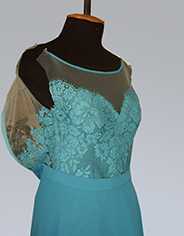 Кружево шантильи – декор лифа нарядного платья
