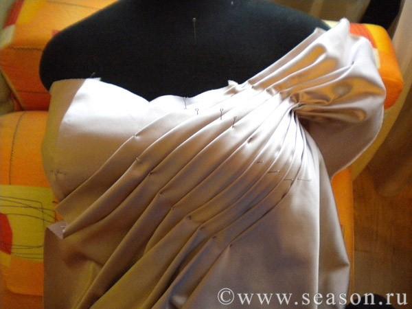 Как сделать пышные складки на платье